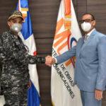 Ministro Obras Públicas recibe en su despacho al director de la Policía Nacional