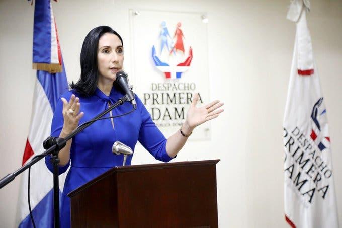 Raquel Arbaje asume funciones como Primera Dama