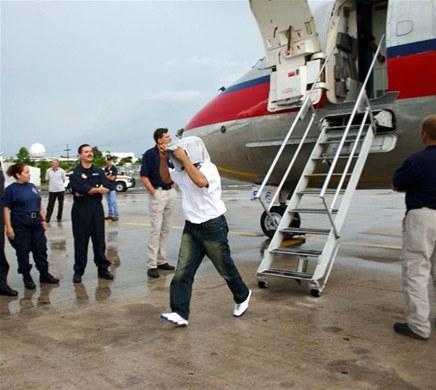 Repatrían 78 exconvictos dominicanos al país