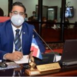 Senador de San Cristóbal denuncia que encontró computadoras del Senado sin discos duros