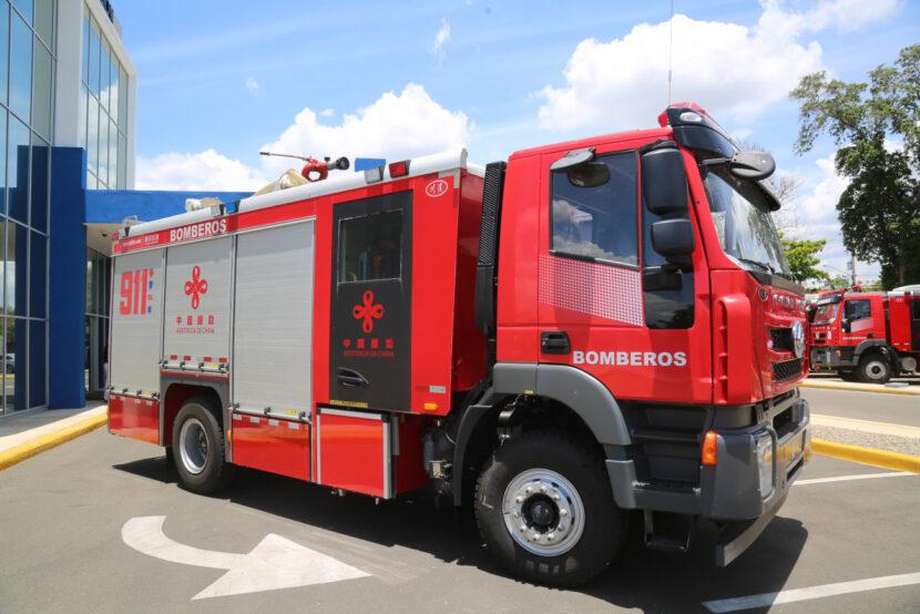 Sistema 9-1-1 coordinó la asistencia de ocho unidades de respuesta en incendio de Puerto Plata
