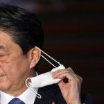 Medios japoneses aseguran que Shinzo Abe renunciará como primer ministro por motivos de salud