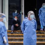 Argentina registra récord diario de más de 11 mil casos de covid-19 y extiende cuarentena