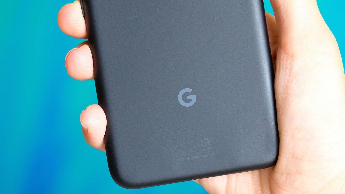 Google tendrá su primer móvil plegable listo para finales de 2021, según una filtración