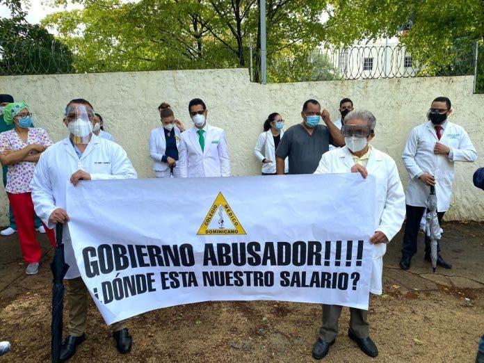 Colegio Médico exige renuncia del sector salud «en pleno», incluida la Comisión para el Covid-19