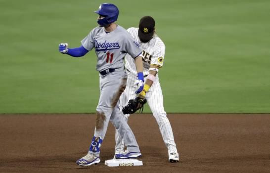 Pollock jonronea, May poncha ocho, Dodgers superan a Padres