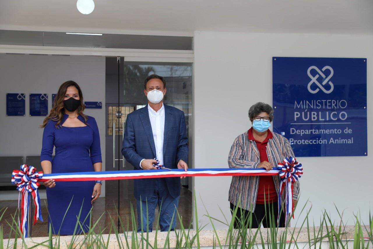 Jean Rodríguez inaugura primer Centro de Atención al Ciudadano del Departamento de Protección Animal del MP