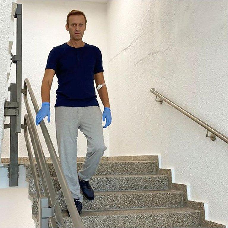 Alexei Navalny fue dado de alta en Berlín y los médicos ven posible su total recuperación