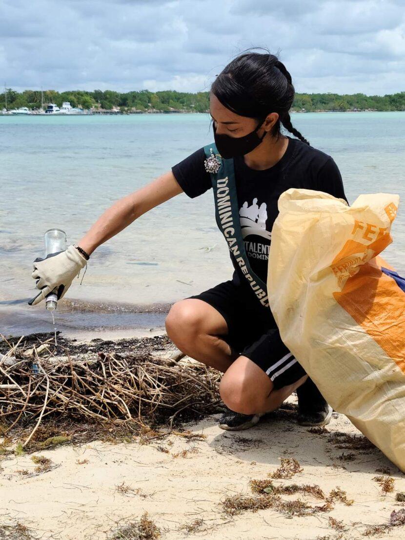Alcaldía de Boca Chica realiza operativo de limpieza en la Isla Los Pinos