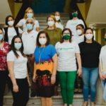Banco Caribe dona mamparas divisorias transparentes a fundación Acción Callejera