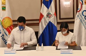 Turismo y CEI-RD sellan acuerdo para impulsar 'Marca País' a nivel internacional