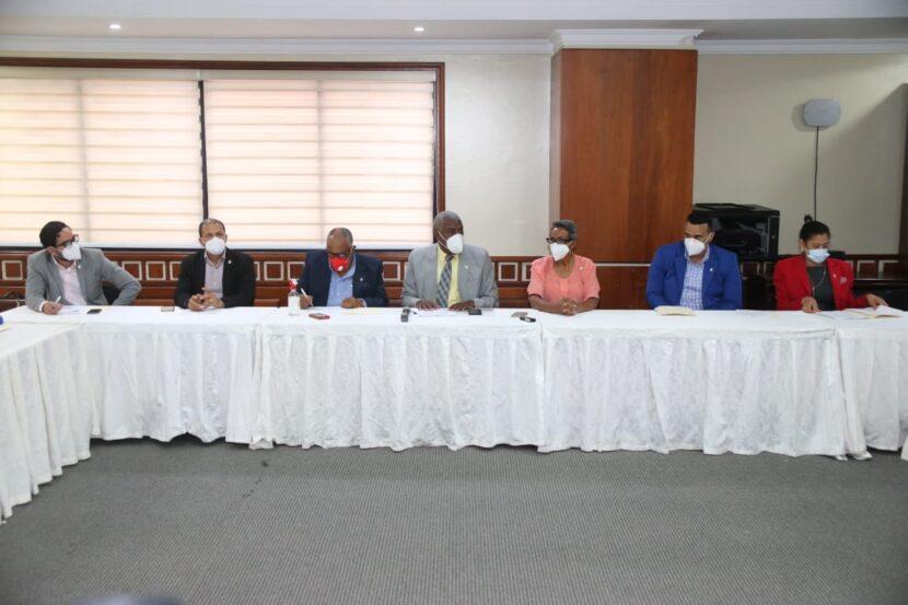 Comisión de Medio Ambiente de la Cámara de Diputados se organiza para agilizar estudio proyectos que tiene pendientes