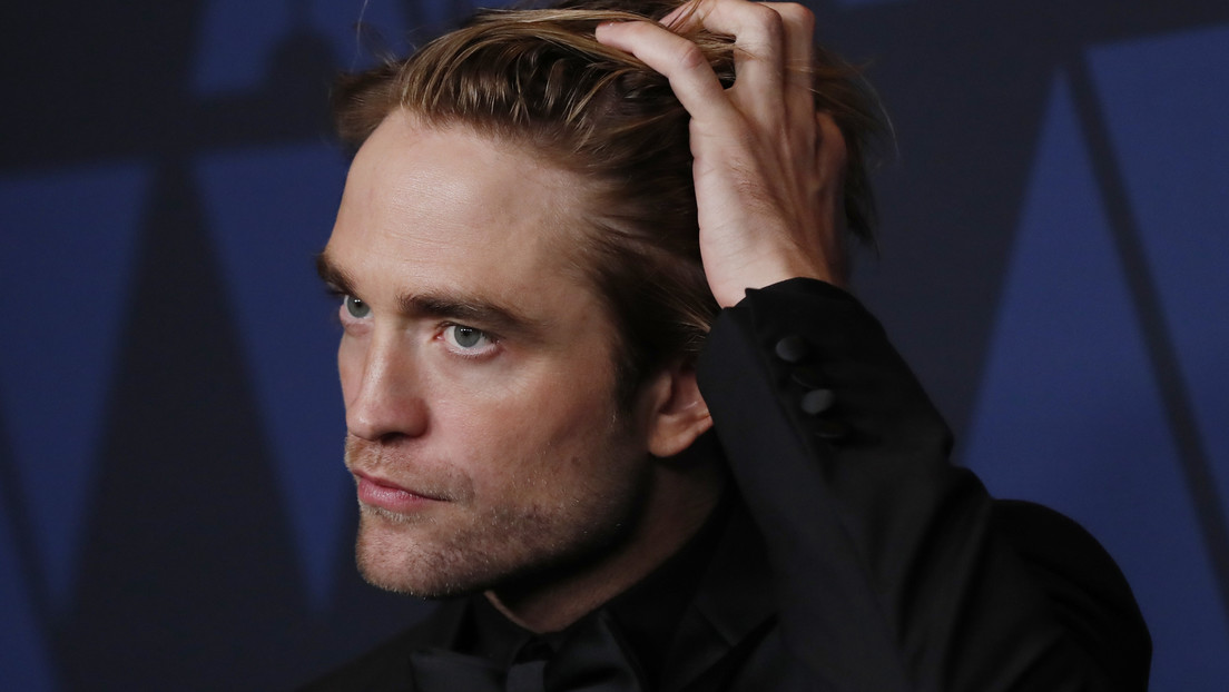Detienen el rodaje de 'The Batman' tras dar positivo por covid-19 el actor Robert Pattinson