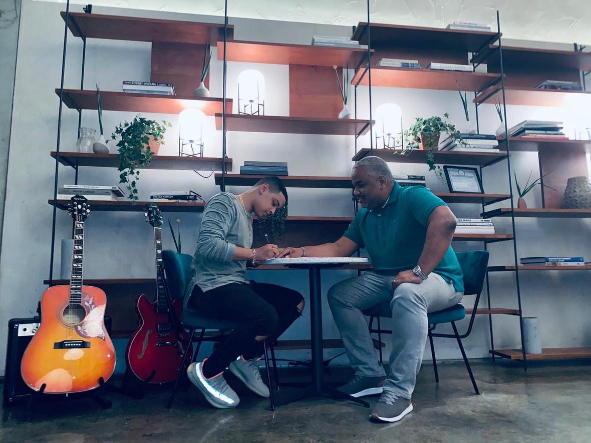 JKB Music firma a nuevo talento de la bachata