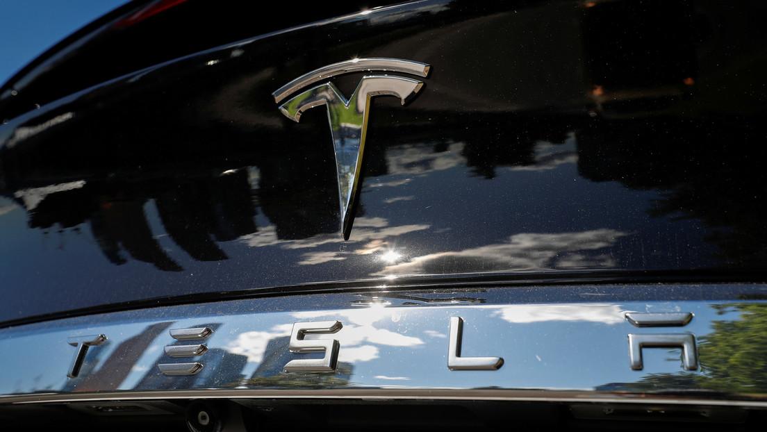 Las acciones de Tesla sufren una caída de más del 21 %, la peor de su historia