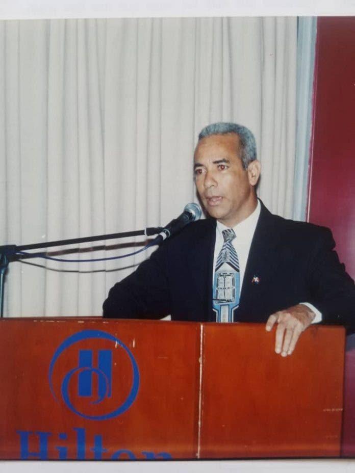 Ministro Consejero en Venezuela renuncia del PLD por perdida de principios bochistas