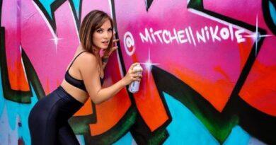 Nikole Mitchell, la pastora cristiana que dejó su vida religiosa para ser 'stripper'