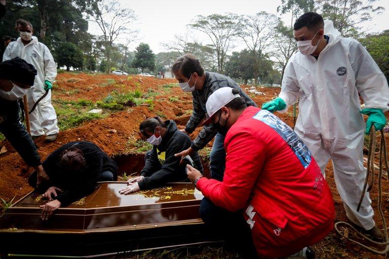 Brasil registró una caída del 30 por ciento en los nuevos casos de coronavirus en la última semana