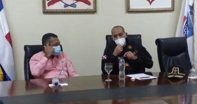 PRESIDENTE DE LA DNCD ESCUCHA INQUIETUDES DEL ALCALDE DE BOCA CHICA Y DEL CONCEJO DE REGIDORES