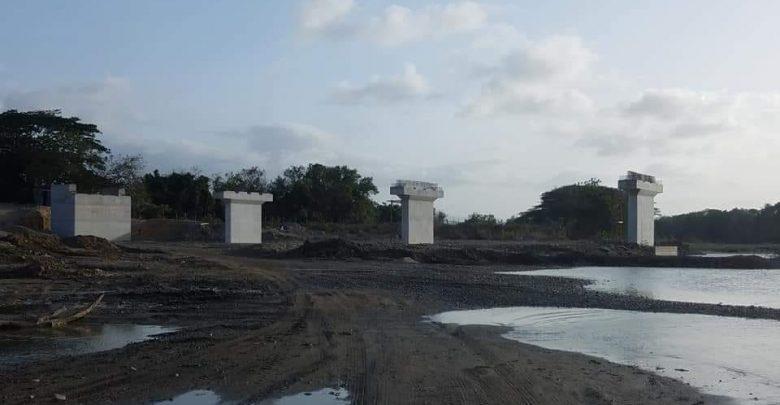 Puente en construcción por tres décadas; ningún gobierno lo termina