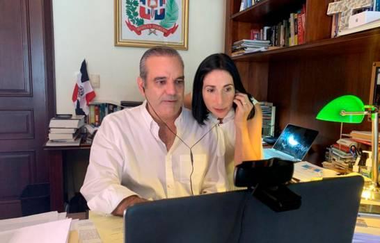 Raquel Arbaje dice que su matrimonio con Abinader es un trabajo en equipo