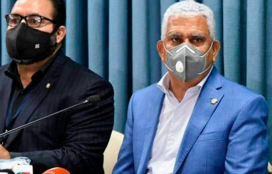 Senador Ricardo de los Santos diagnosticado con COVID-19