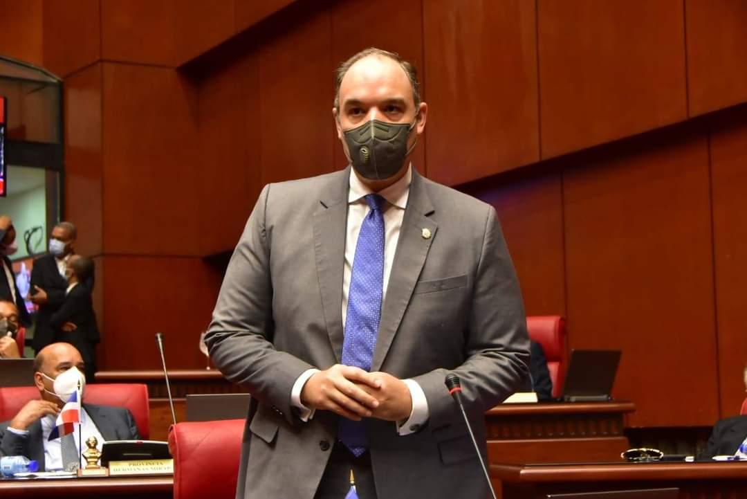 Senador considera CNE debe rectificar sustitución de directores regionales y distritales