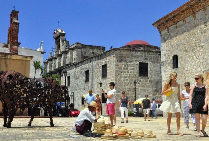 El Covid-19 quitó al país $3,502 millones por turismo