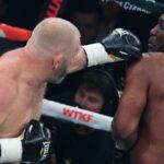 Un peleador ruso de MMA debuta en el boxeo con 40 años acompañado de un oso y con victoria por nocaut ante un británico que venció a Mike Tyson