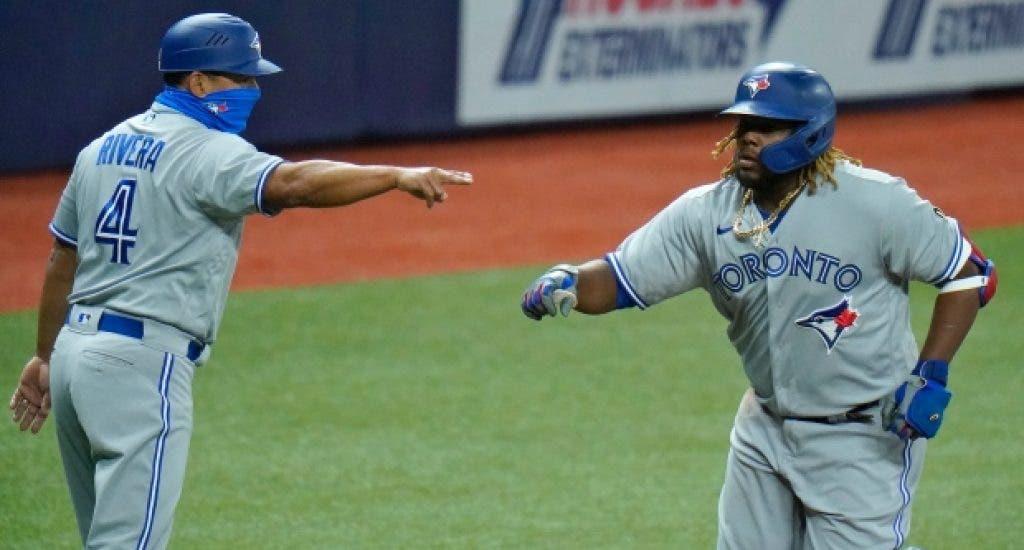 Azulejos apalean a Yankees, en una gran noche de Vladimir Guerrero Jr.