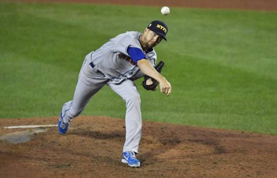 DeGrom recibe apoyo de Mets para vencer 18-1 a Azulejos