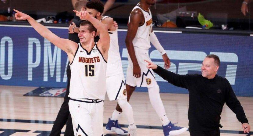 Denver gana tres seguidos para eliminar a Leonard y a Clippers