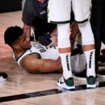 La lesión de Giannis lo coloca en dudas para quinto juego de la serie ante Miami