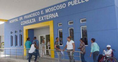 Gobierno adeuda RD$3,000 millones por obras hospitales
