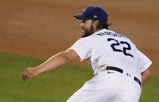 Kershaw brilla y los Dodgers vencen a Diamondbacks