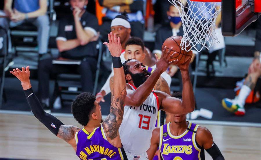 Lakers no pudieron alcanzar el despegue de Houston y cayeron en playoffs de la NBA
