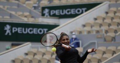 Muguruza, Serena y Zarazúa avanzan en Roland Garros en el cuadro femenino
