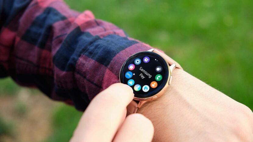 Reloj Samsung Galaxy Watch Active 2, a precio mínimo histórico con un 45% de descuento
