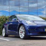 Un fallo permite cargar cualquier coche eléctrico en los Supercargadores de Tesla, y encima gratis