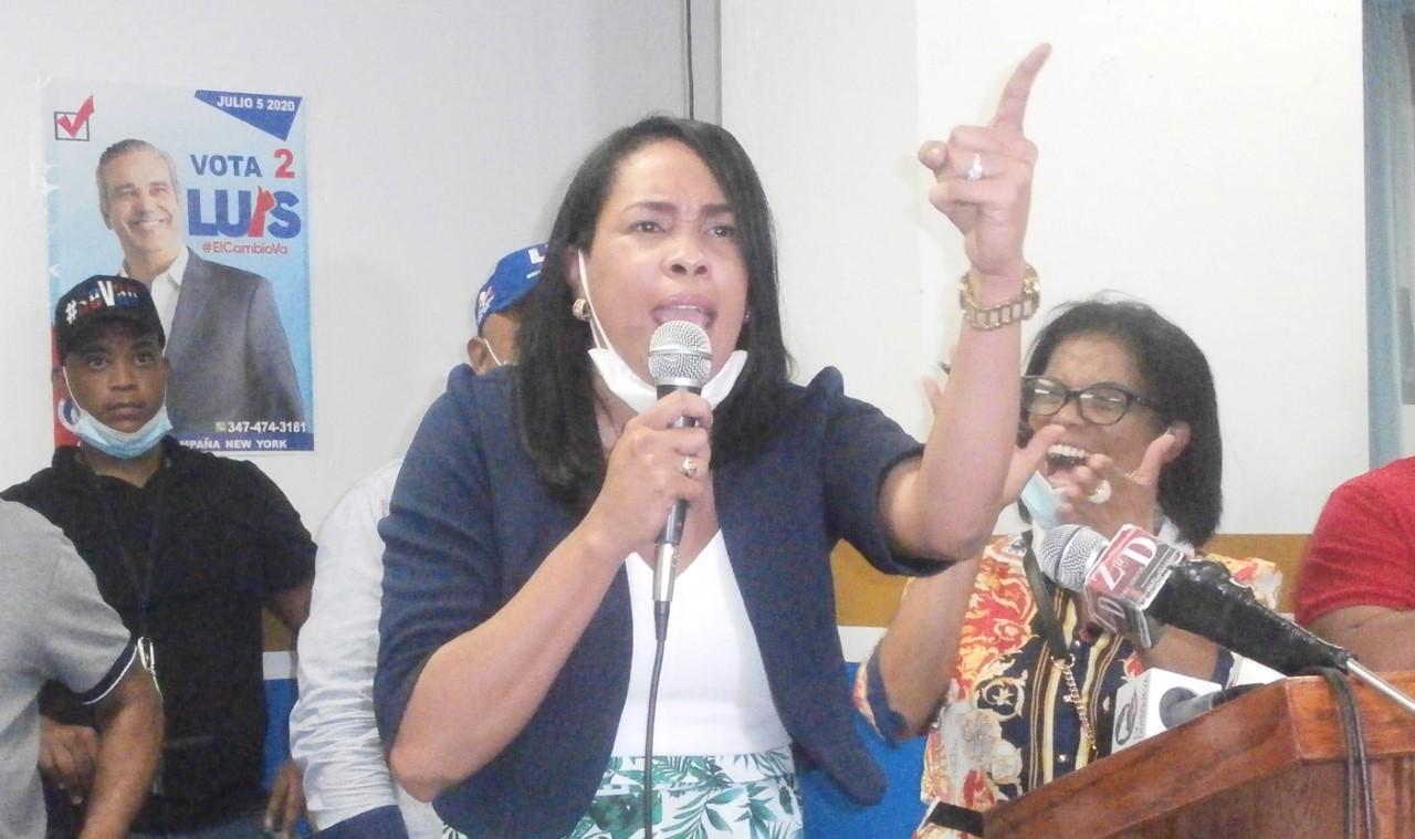Diputada del PRM en ultramar Kenia Bidó Parra sufre pre infarto en su residencia de Santo Domingo
