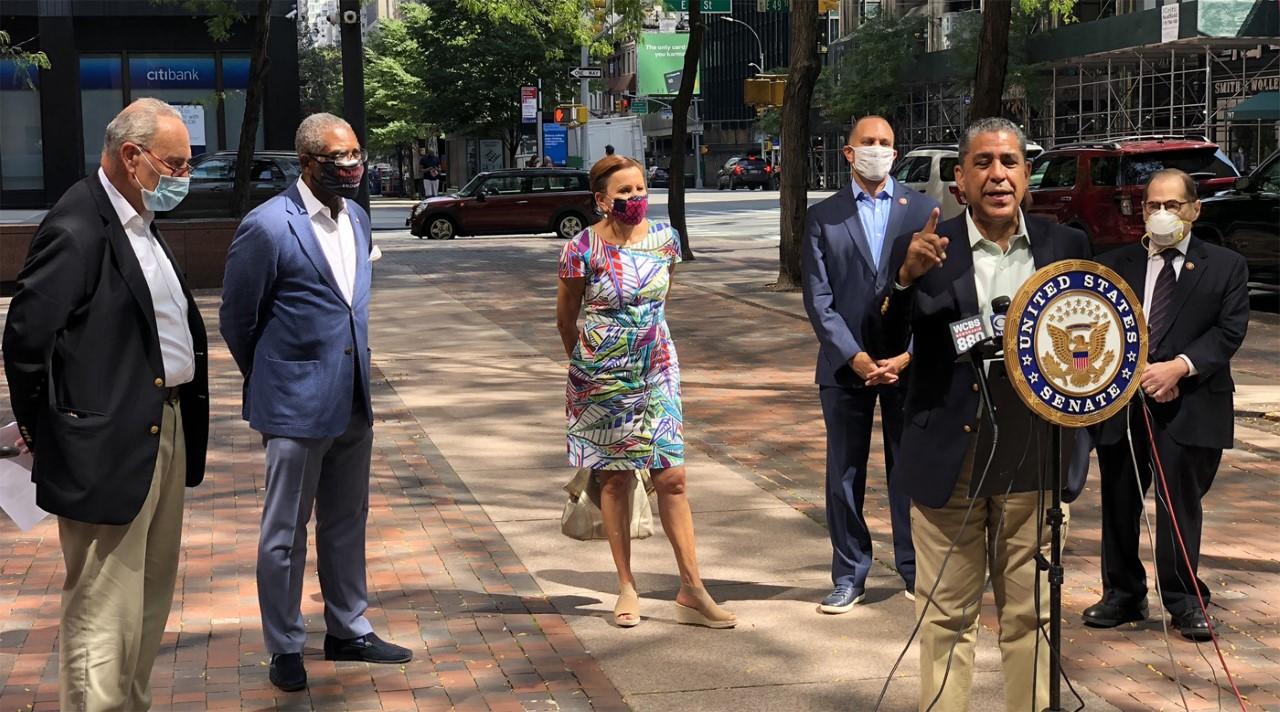 Todo o nada advierte Espaillat a senadores republicanos sobre el paquete de ayuda por la pandemia