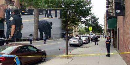 Tras ejecutarlo de un tiro en la cabeza asesino remata hispano en el suelo en calle de El Bronx