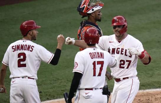 Mike Trout impone marca de jonrones; Angelinos ganan dos a Astros