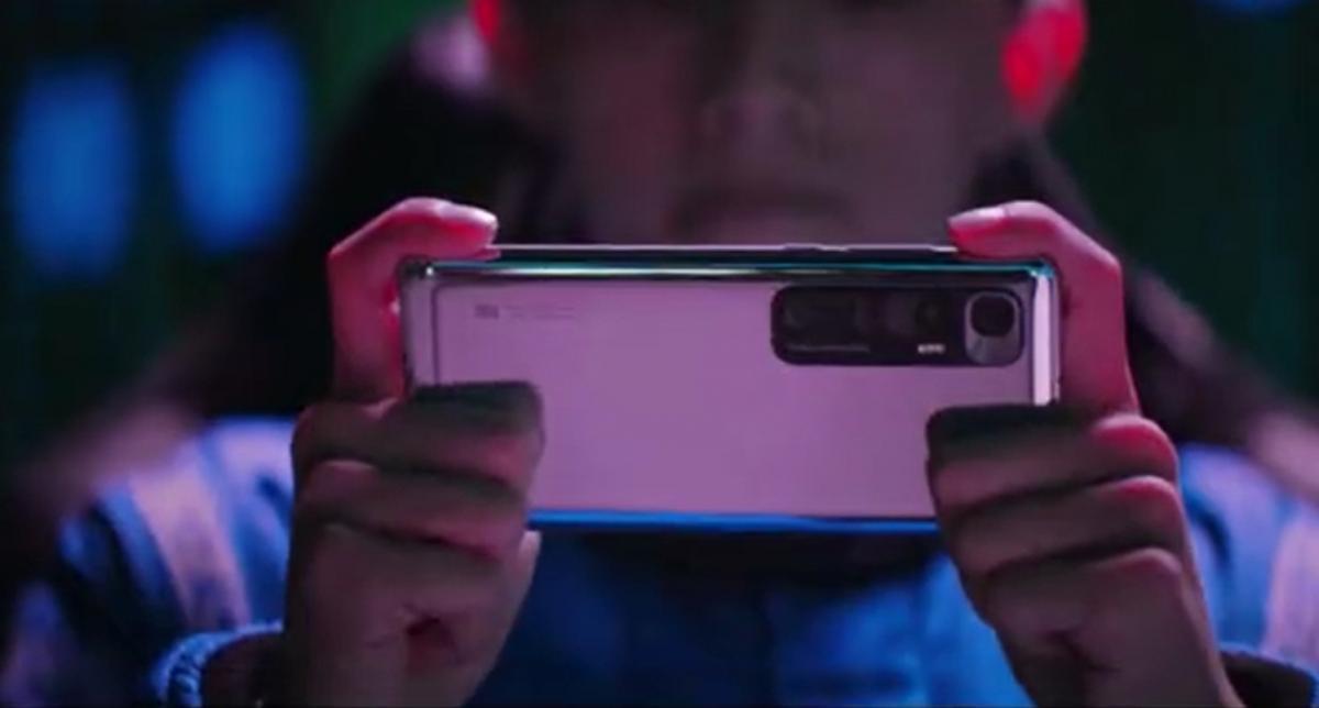Xiaomi Mi 10 Ultra y el 5G unen fuerzas para conducir un coche a distancia