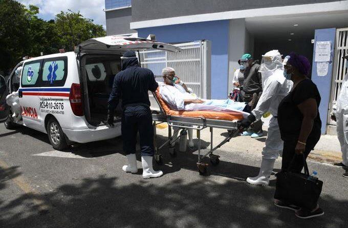 Salud Pública reporta tres muertes por Covid y 384 nuevos contagios