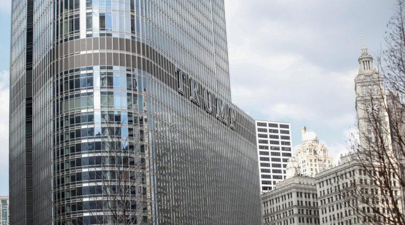Un joven amenaza con saltar de la Torre Trump en Chicago a menos que se le permita hablar con el presidente