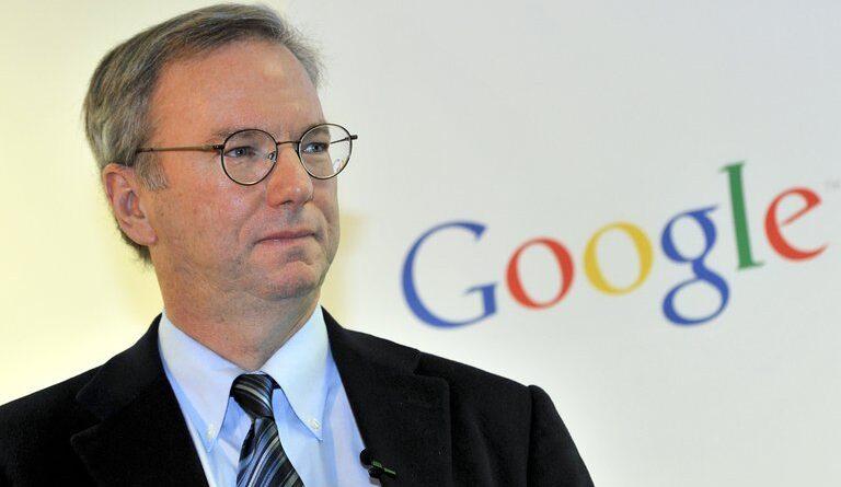 """ATENCION:El ex CEO de Google afirmó que las redes sociales son unas """"amplificadoras de idiotas y locos"""""""