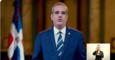 """Abinader anuncia que retira """"todos los nuevos impuestos"""" del Presupuesto"""
