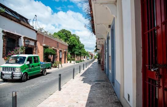 Opiniones divididas de ciudadanos sobre peatonizar calles Ciudad Colonial