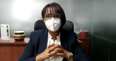Directora nacional de enfermería hace llamado a diputados y senadores endosar barrilito a esa dirección
